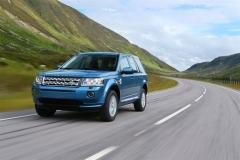 2013_Land_Rover_LR2_18