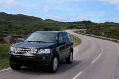 2013_Land_Rover_LR2_21