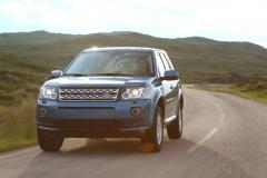 2013_Land_Rover_LR2_22