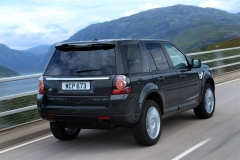 2013_Land_Rover_LR2_23