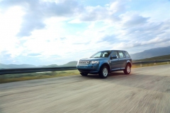 2013_Land_Rover_LR2_24