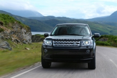 2013_Land_Rover_LR2_25