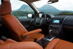 2013_Land_Rover_LR2_36