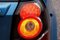 2013_Land_Rover_LR2_4