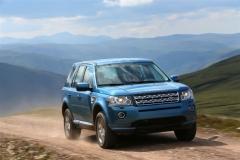 2013_Land_Rover_LR2_43