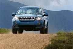 2013_Land_Rover_LR2_44