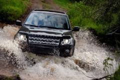 2013_Land_Rover_LR2_47