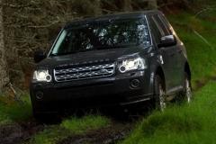 2013_Land_Rover_LR2_48
