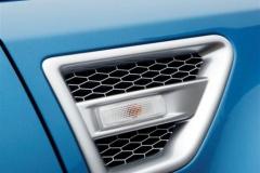 2013_Land_Rover_LR2_5