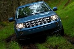 2013_Land_Rover_LR2_50