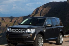 2013_Land_Rover_LR2_64