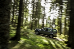 2014-Land-Rover-Discovery-Media-Preview-10