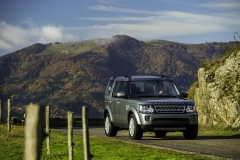 2014-Land-Rover-Discovery-Media-Preview-14