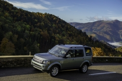 2014-Land-Rover-Discovery-Media-Preview-15