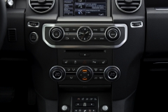 2014-Land-Rover-Discovery-Media-Preview-19
