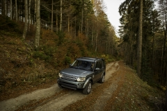 2014-Land-Rover-Discovery-Media-Preview-6