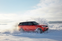 2014-Range-Rover-Sport-in-Motion-13
