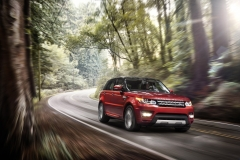 2014-Range-Rover-Sport-in-Motion-16