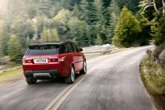 2014-Range-Rover-Sport-in-Motion-17