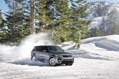 2014-Range-Rover-Sport-in-Motion-2