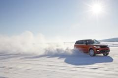 2014-Range-Rover-Sport-in-Motion-21