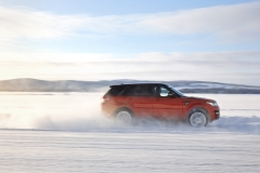 2014-Range-Rover-Sport-in-Motion-22