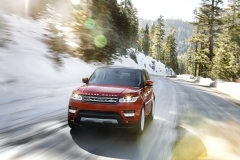 2014-Range-Rover-Sport-in-Motion-23