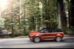 2014-Range-Rover-Sport-in-Motion-24