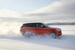 2014-Range-Rover-Sport-in-Motion-26