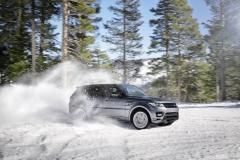 2014-Range-Rover-Sport-in-Motion-3
