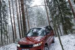 MY2014-Range-Rover-Sport-in-the-Snow-10