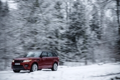 MY2014-Range-Rover-Sport-in-the-Snow-2