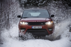 MY2014-Range-Rover-Sport-in-the-Snow-4