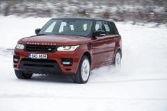 MY2014-Range-Rover-Sport-in-the-Snow-7