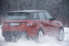 MY2014-Range-Rover-Sport-in-the-Snow-8
