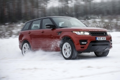 MY2014-Range-Rover-Sport-in-the-Snow-9