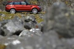 2014-Range-Rover-Sport-Action-Shots-14