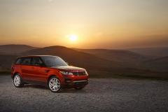 2014-Range-Rover-Sport-Action-Shots-20
