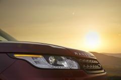 2014-Range-Rover-Sport-Action-Shots-22