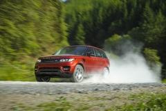 2014-Range-Rover-Sport-Action-Shots-30