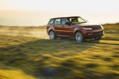2014-Range-Rover-Sport-Action-Shots-31