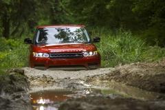 2014-Range-Rover-Sport-Action-Shots-36