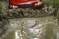 2014-Range-Rover-Sport-Action-Shots-37