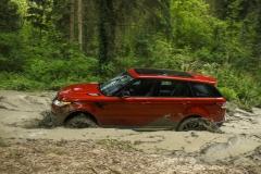 2014-Range-Rover-Sport-Action-Shots-38