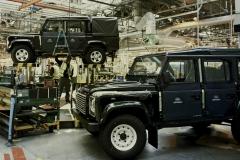 Land-Rover-Defender-Assembly-Line-12