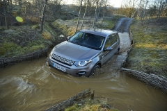 Land-Rover-Discovery-Sport-Off-road-23