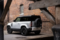 2021-Land-Rover-Defender-27