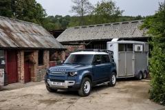 2021-Land-Rover-Defender-Hard-Top-17