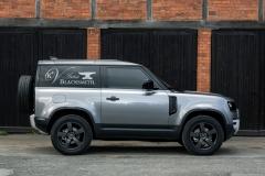 2021-Land-Rover-Defender-Hard-Top-9