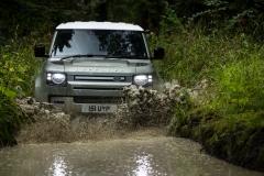 2021-Land-Rover-Defender-PHEV-16